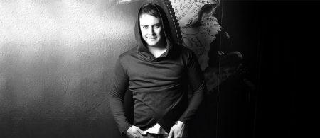 Naser Zeinali-Mamnonam Back