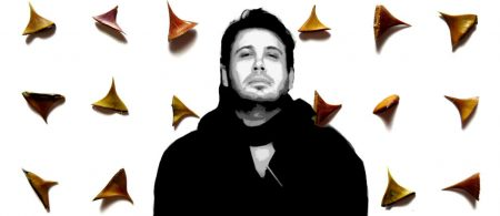 Mohsen Chavoshi-Amir Bi Gazand Back (2)