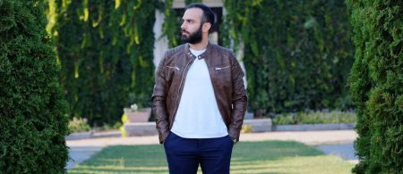 mohammad-bibak-zard-back