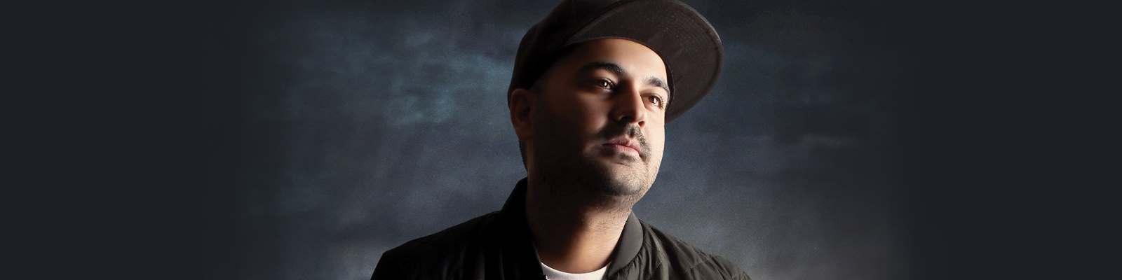 Behnam Safavi-Mojeze Back